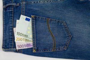 Lainavertailu 9000 euroa