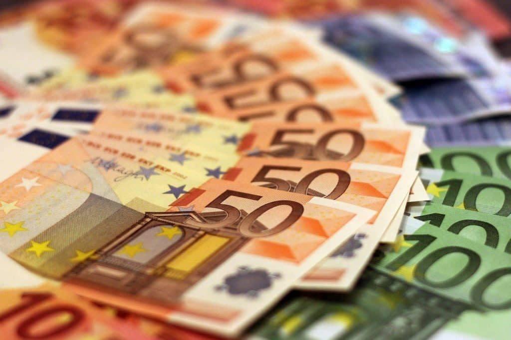 Ota lainaa 700 euroa osamaksulla