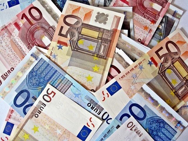 Pikalainaa 600 euroa tilille joustavilla lainaehdoilla
